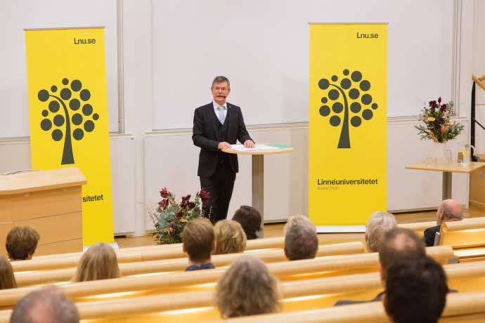 Peter Aronsson delivers his inauguration lecture in Kalmar.