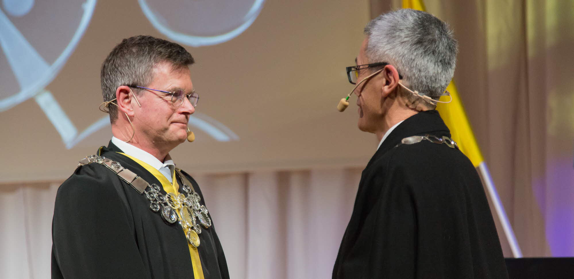 Aronsson and Hwng at the inauguration ceremony