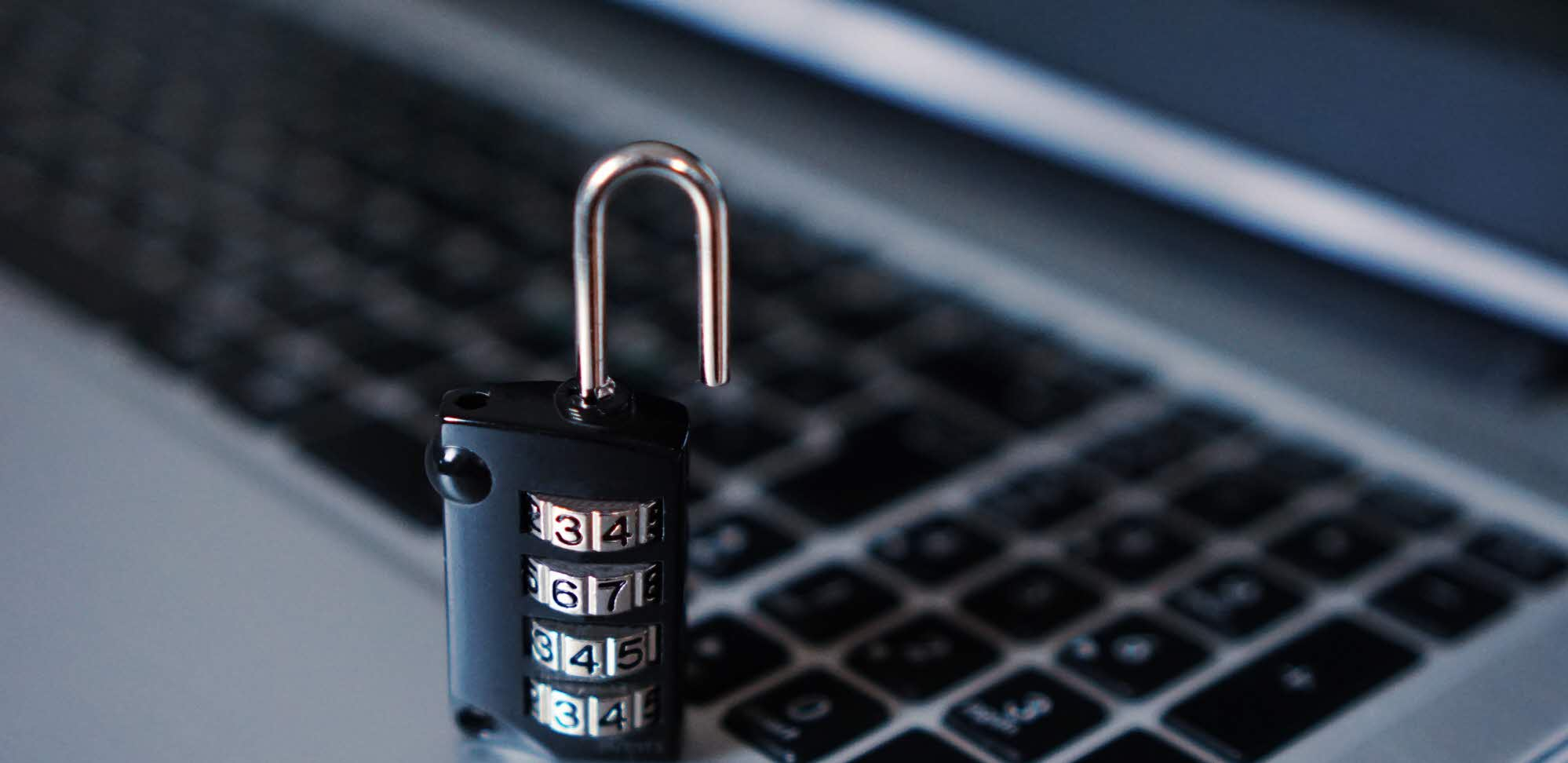 CC0, https://pixabay.com/en/computer-security-padlock-hacker-1591018