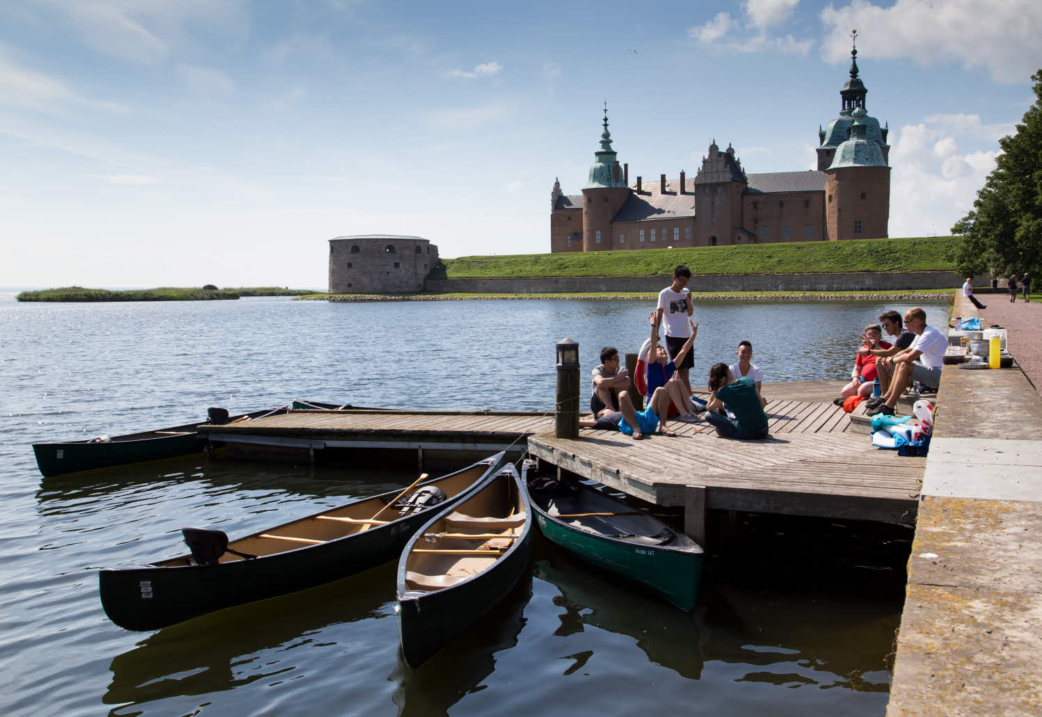 Kalmar Castle and students